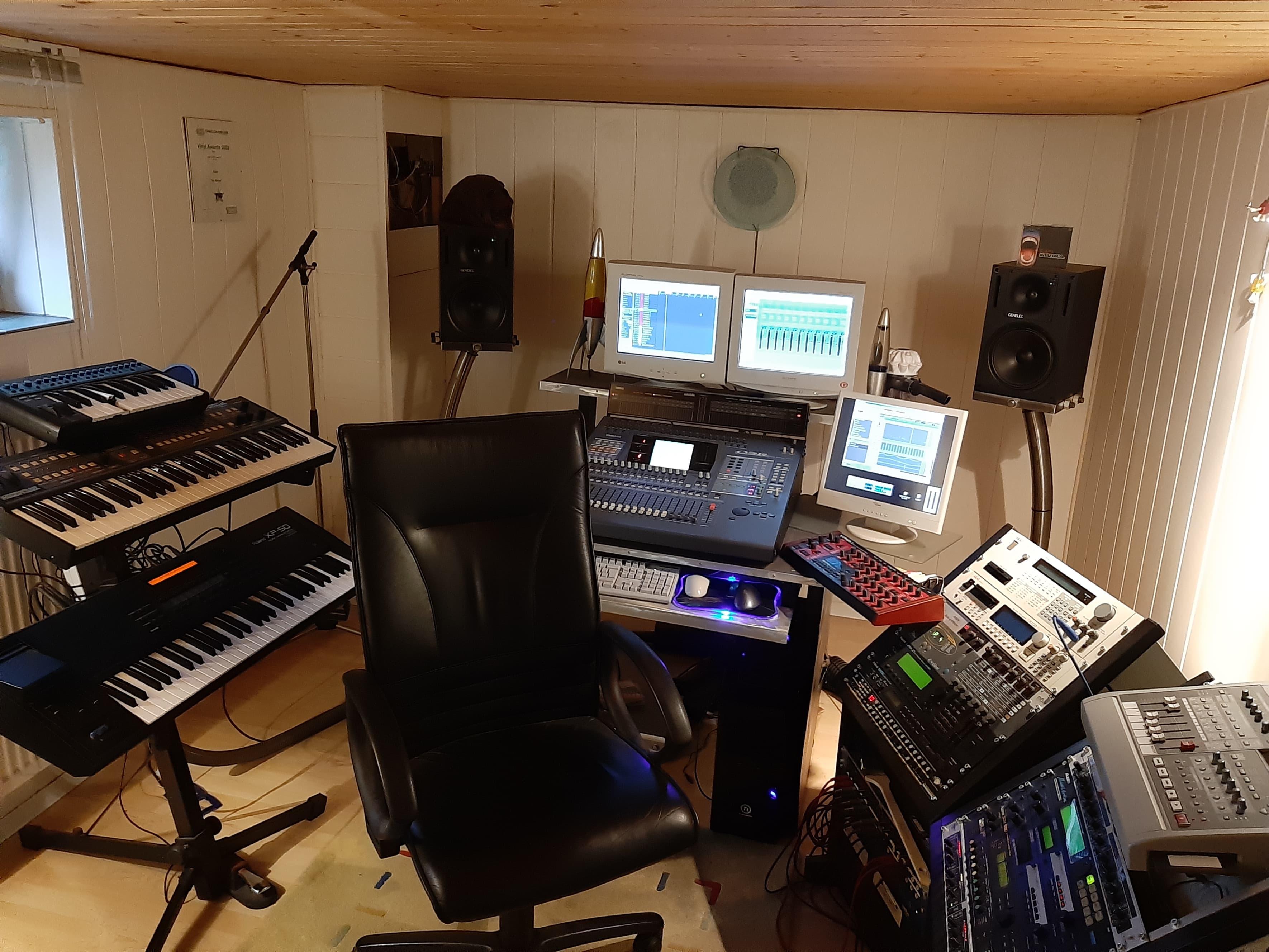 Derb Studio.jpg